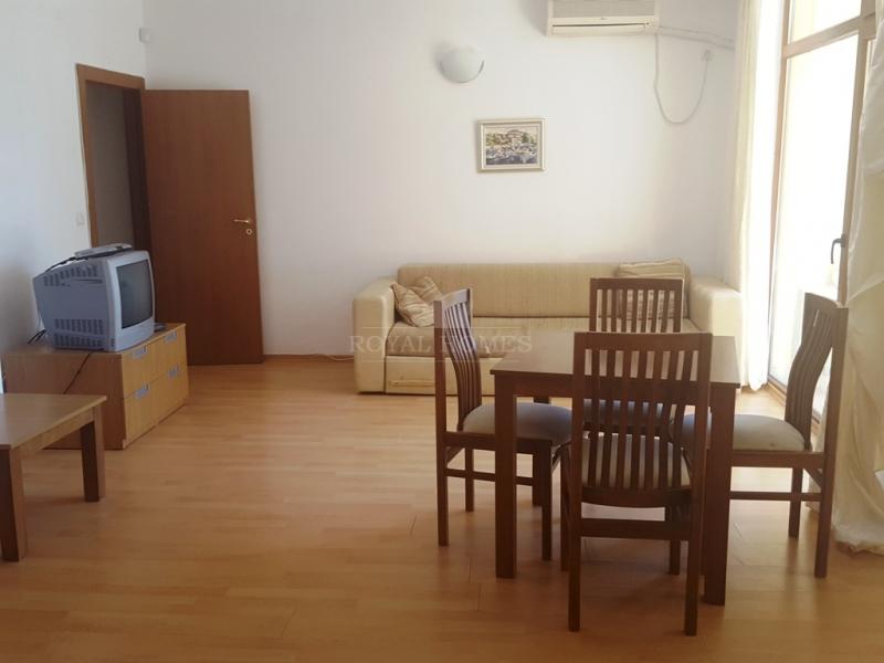 Отлично меблированная трехкомнатная квартира в Бол