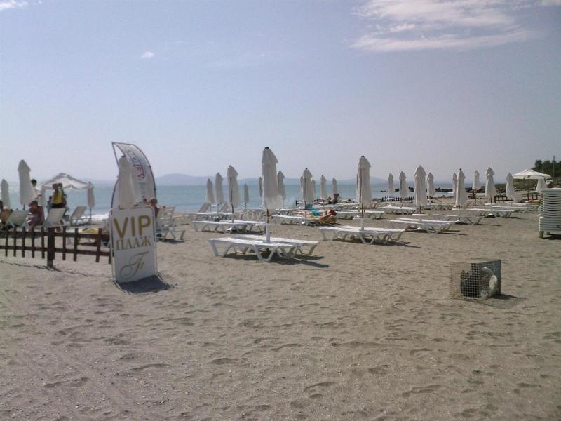 Квартиры в Поморие на самом берегу моря. Комплекс