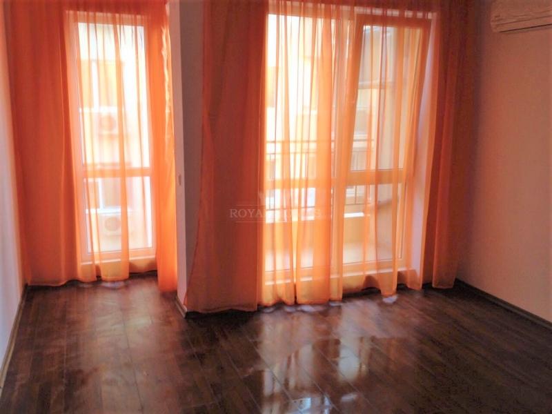 Квартира в городе Поморие на море.