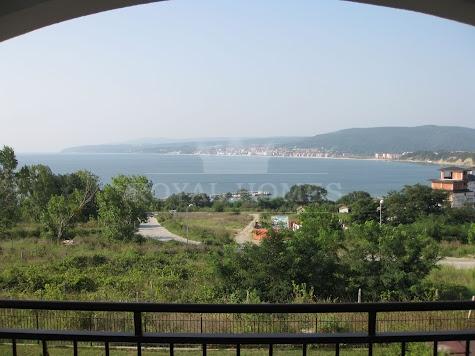 Вторичная недвижимость с видом на море в Бяле
