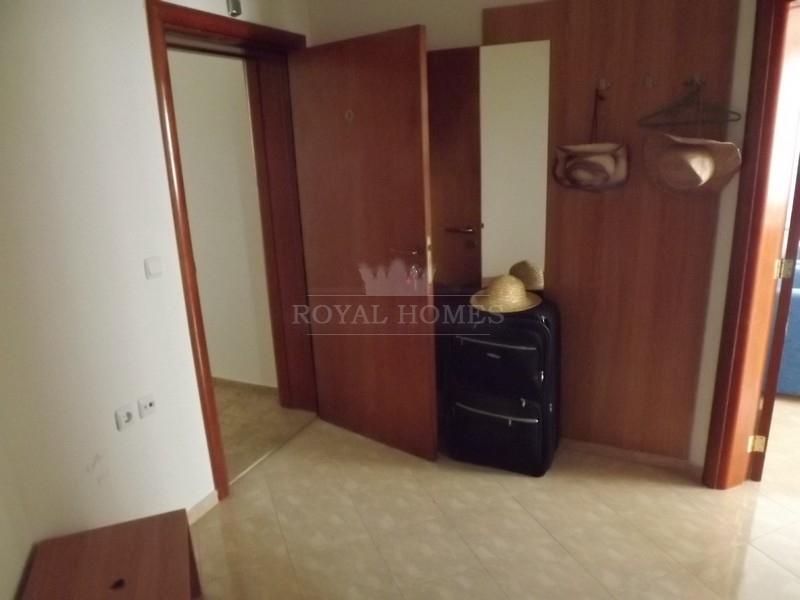 Трехкомнатная квартира на продажу в Святом Власе.