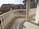 Хорошая трехкомнатная квартира в Болгарии на втори