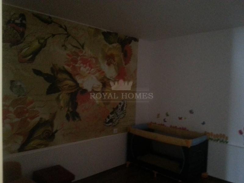 Двухкомнатная квартира на продажу в жилом доме без