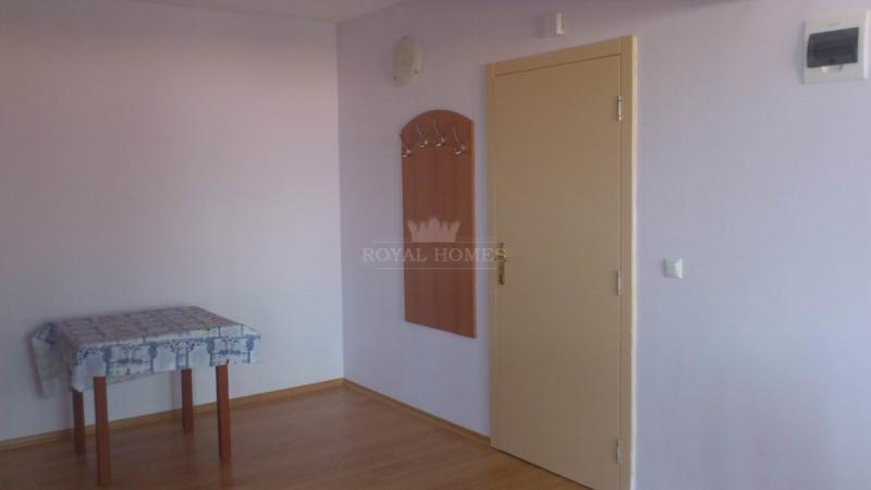 Отличная двухкомнатная квартира на продажу в Болга