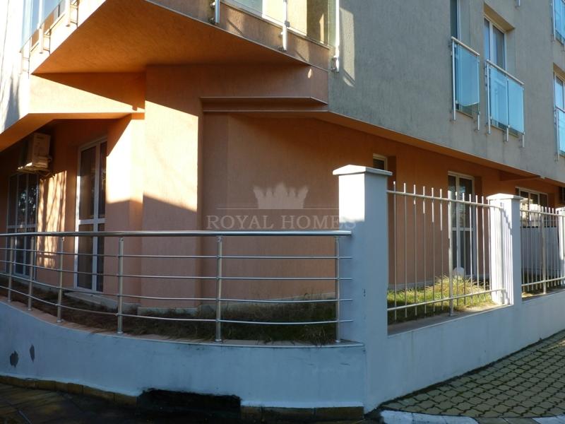 Квартиры в Болгарии с двориками в Равда.
