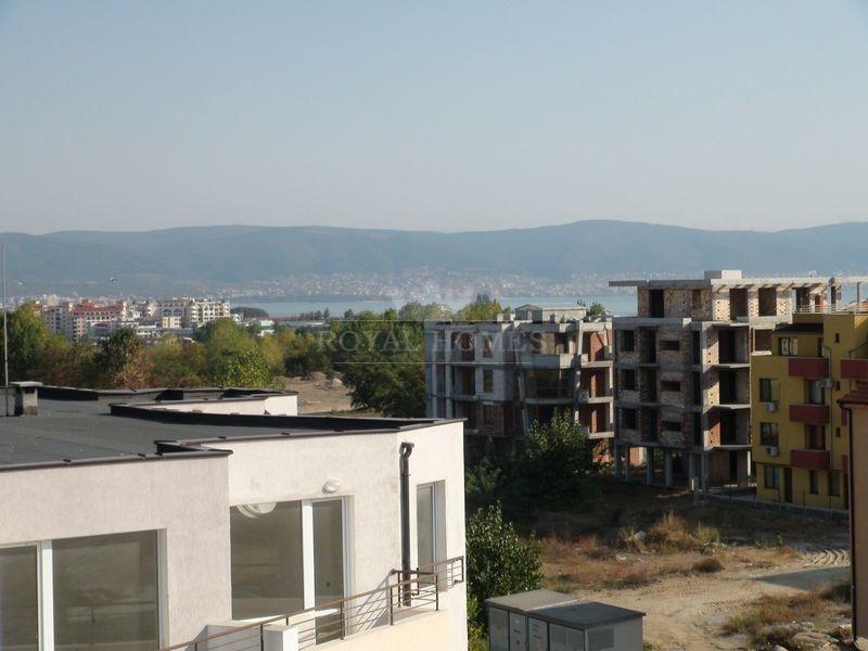 Двухуровневой пентхаус в Болгарии с видом на море