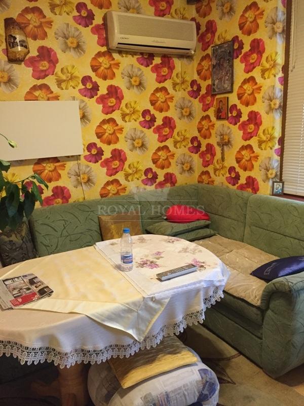 Трехкомнатная квартира на продажу в городе Несебр