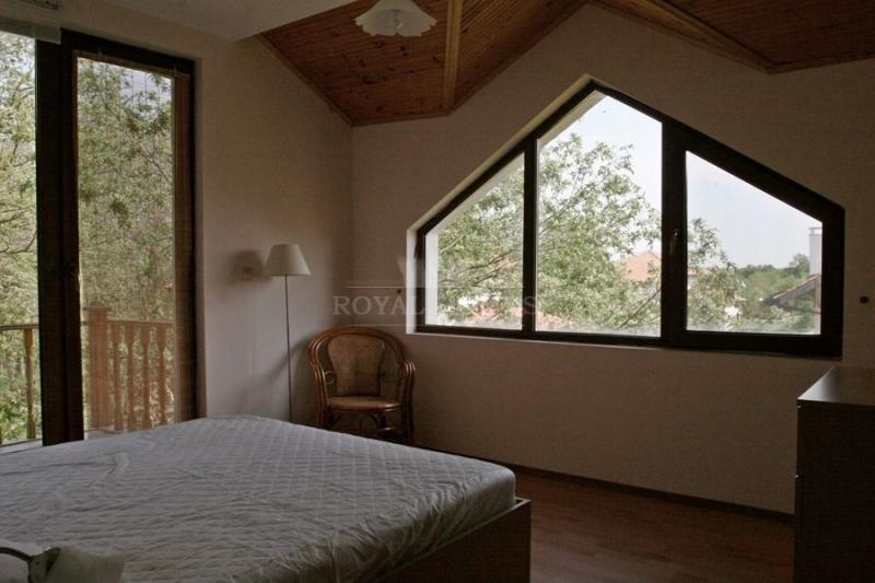 Двухэтажный дом на продажу в Болгарии около моря.