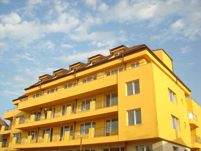 Квартиры в Болгарии на берегу моря в Поморие по низким