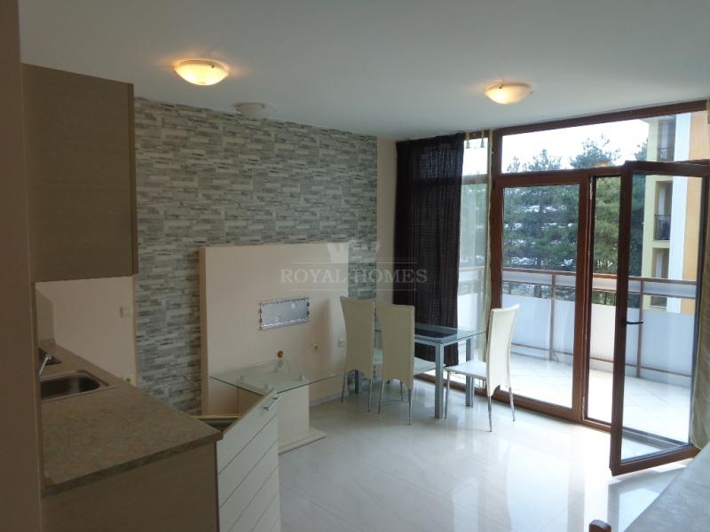 Недорогая двухкомнатная квартира в Равде, Болгария, Равда