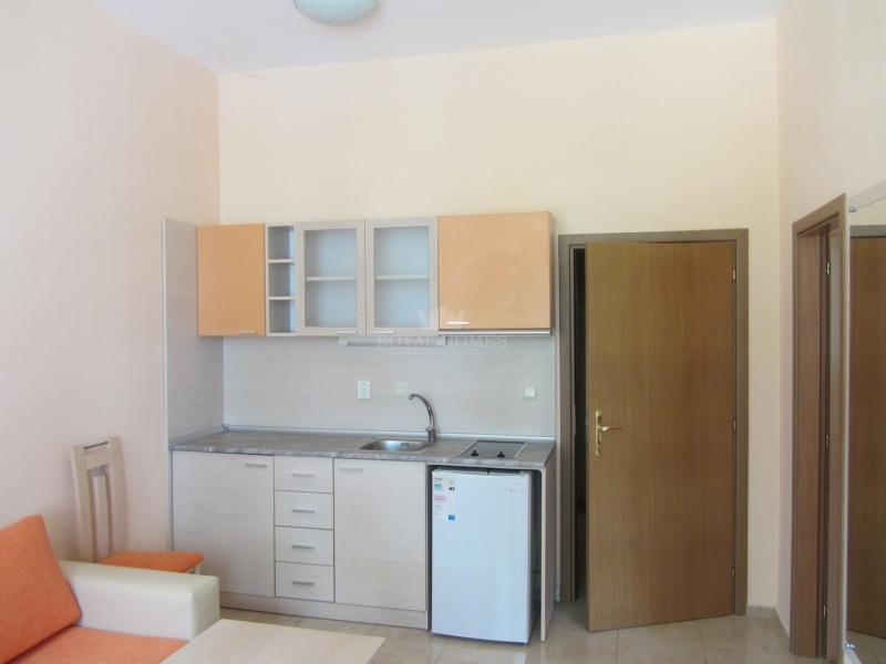 Меблированная квартира на первой линии Моря.
