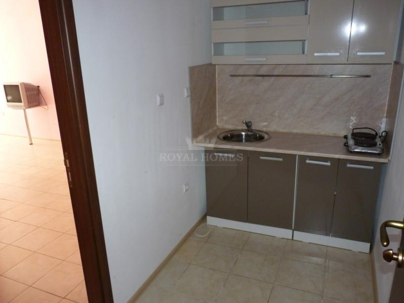 Дешевая двухкомнатная квартира на Солнечном Брегу.