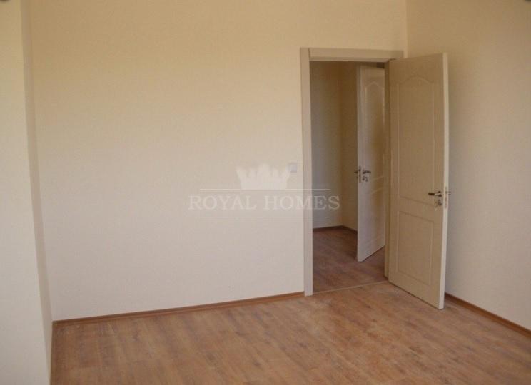 Трехкомнатная квартира с отделкой под ключ в Помор