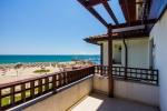 Двухкомнатная квартира с панорамным видом на море.