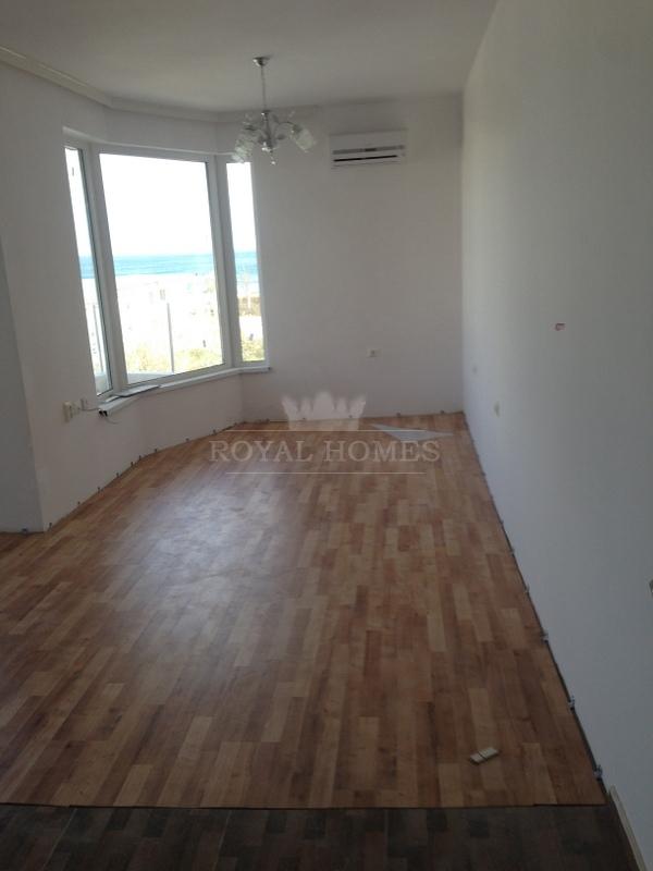 Квартиры в Болгарии на продажу на первой линии мор
