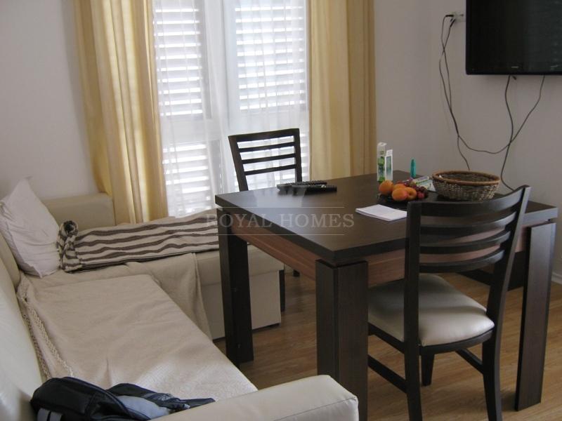 Tрёхкомнатная квартира с мебелью и техникой на Сол