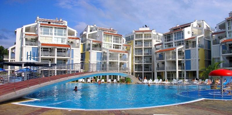 Недорогая трехкомнатная квартира в Болгарии.