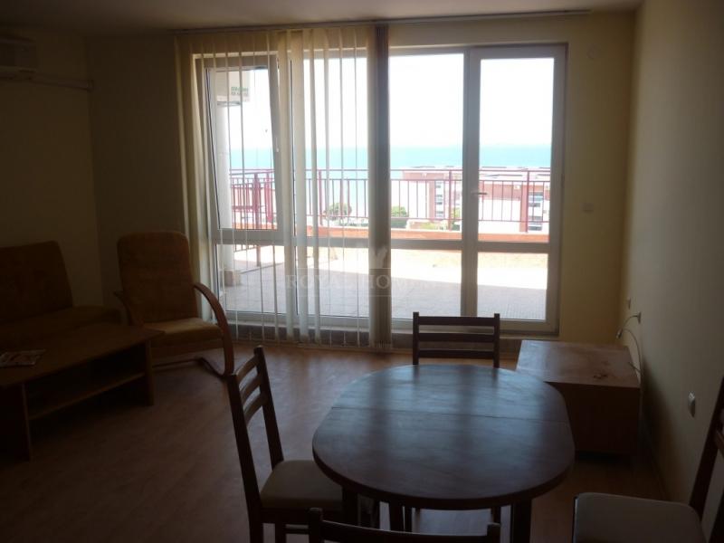 Трехкомнатная квартира с видом на море. Вторичная