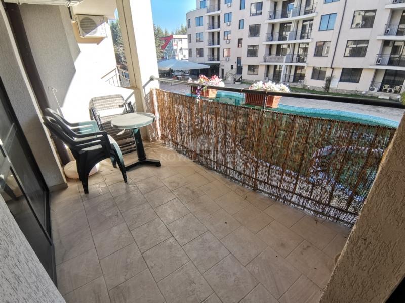 Двухкомнатная квартира с мебелью в Болгарии