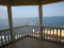 Современный трехэтажный дом в Болгарии для круглог
