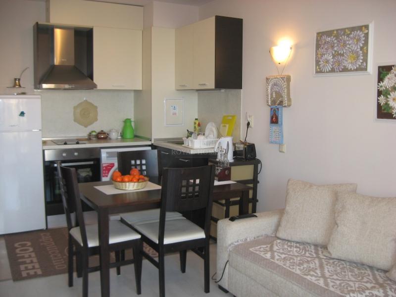 Элегантная двухкомнатная квартира в Созополь.