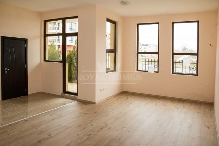 Квартиры на продажу в жилом доме в Болгарии.