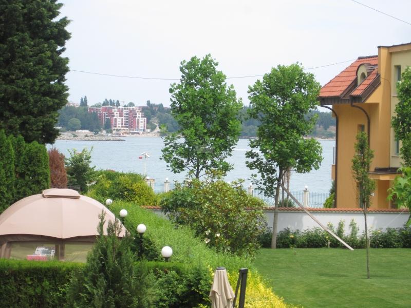 Вторичка в Болгарии на первой линии моря