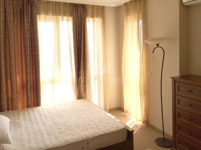 Четырехкомнатная квартира с фронтальным видом на м