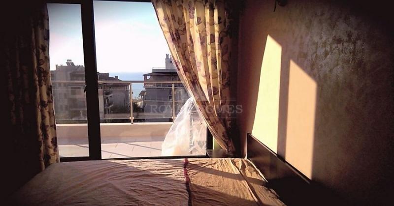 Пентхаус в Сарафово с видом на море.
