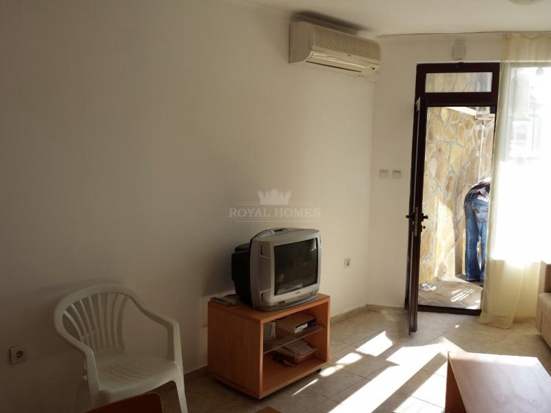 Вторичная недвижимость в Святом Власе на берегу мо