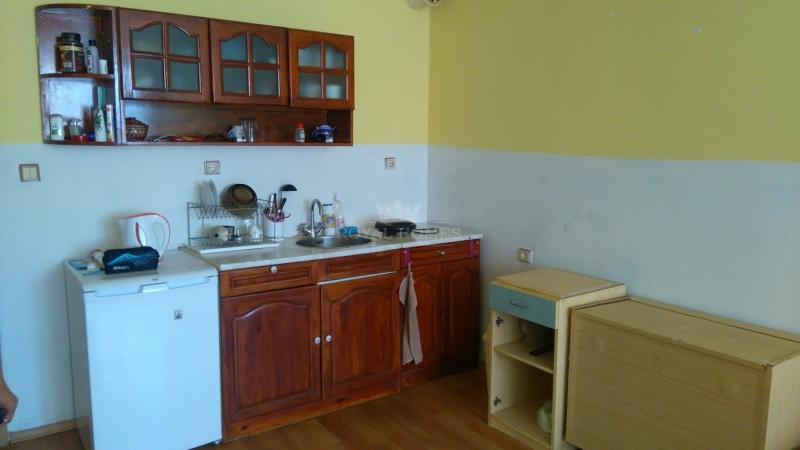 Недорогая двухкомнатная квартира в Поморие.