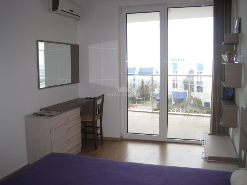 Комфортабельный апартамент в Болгарии с видом на м