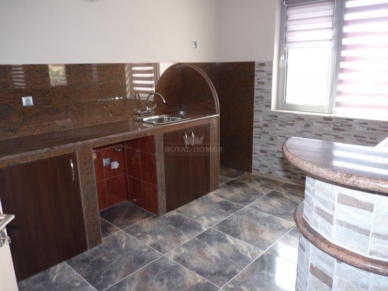 Новая многокомнатная квартира в Болгарии для кругл