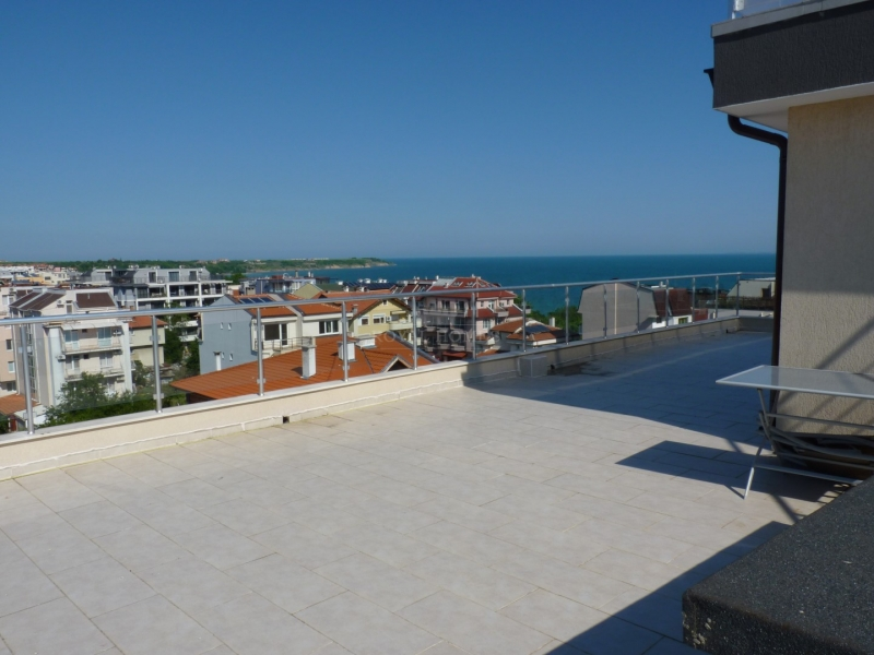 Пентхаус в Сарафово с панорамным видом на море и я