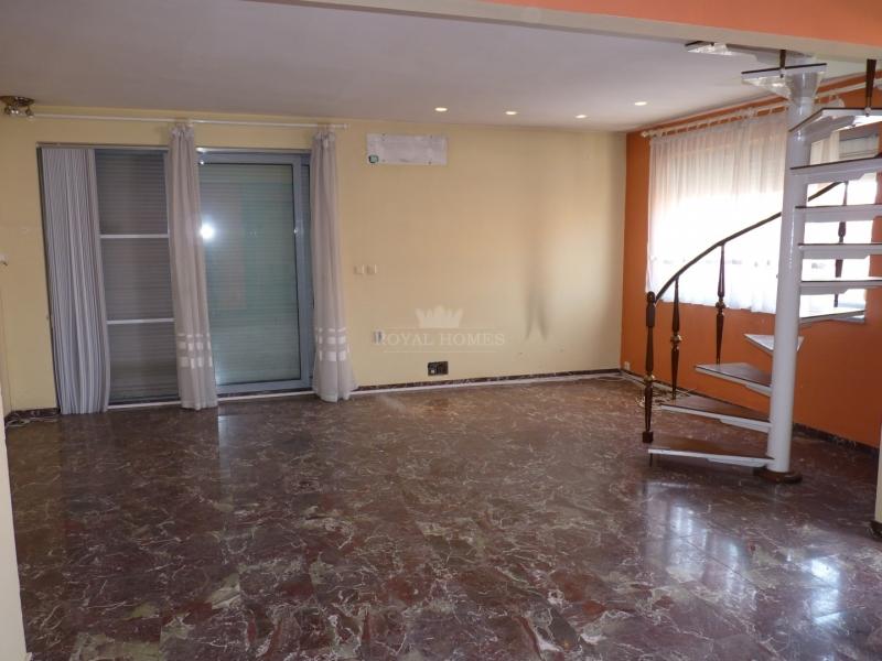 Большая многокомнатная  квартира в Сарафово, город