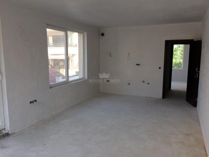 Купить квартиру в Сарафово в новостройке.