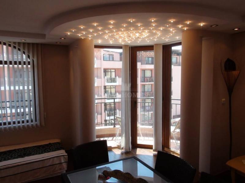 Большая четырехкомнатная квартира в Болгарии недор