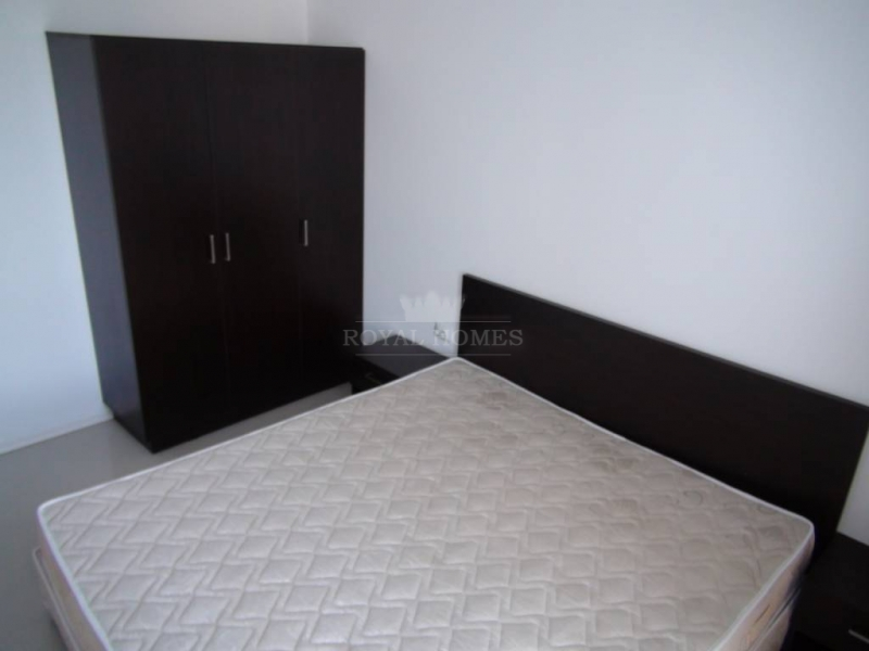 Продается трехкомнатная квартира в Сарафово в закр