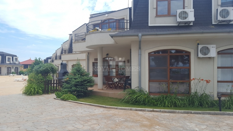 Большая трехкомнатная квартира в Кошарица