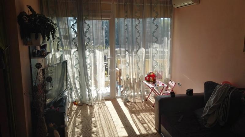 Трехкомнатная квартира в Поморие для круглогодично