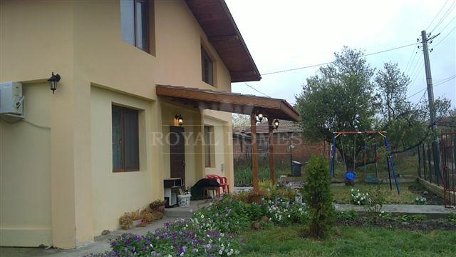 Купить дом с участком в Болгарии недорого