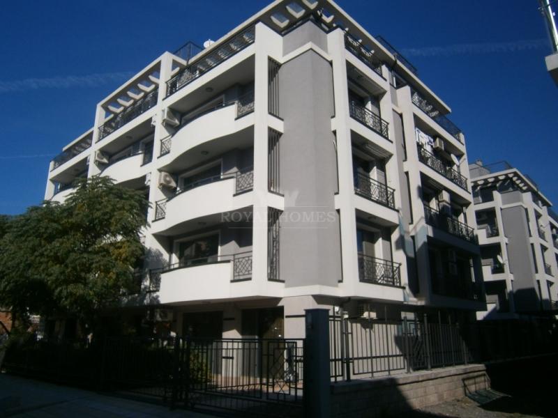Отличная двухкомнатная квартира на продажу в Сараф