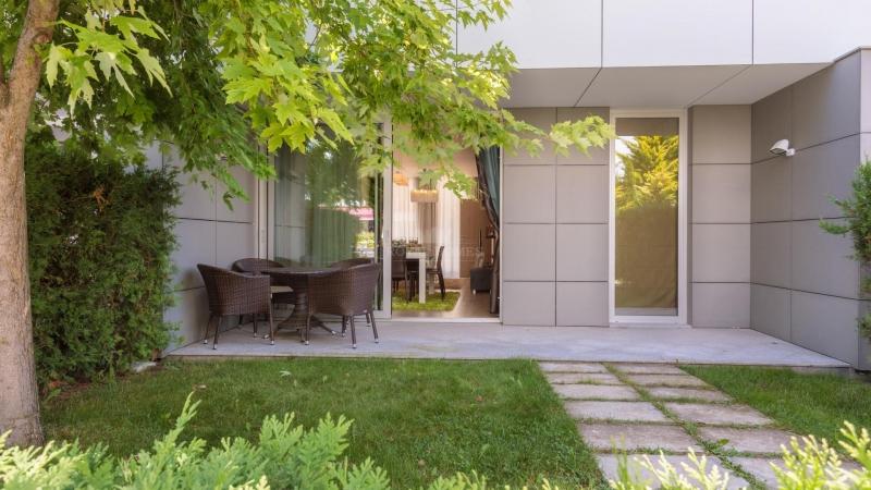 Купить виллу с двориком в Сарафово, Бургас.