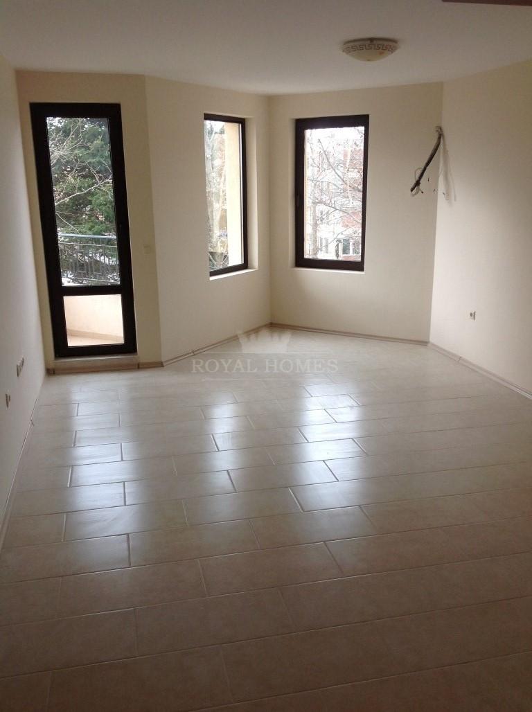 Новая квартира на первой линии моря в Болгарии.