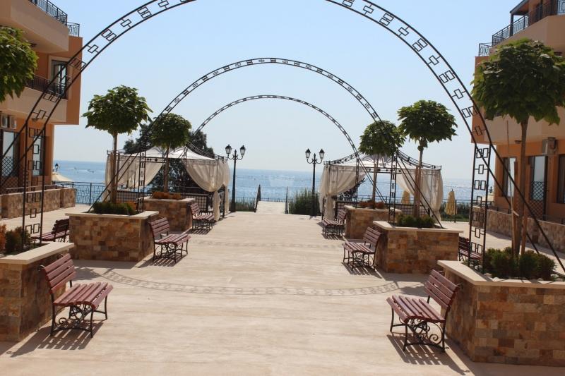 Элитная недвижимость в Равде с видом на море.