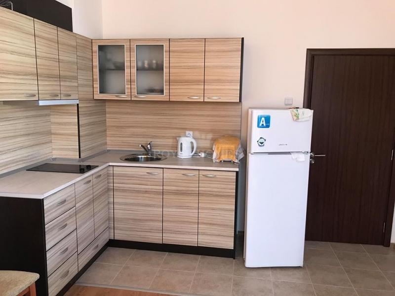Меблированная двухкомнатная квартира в Равда.