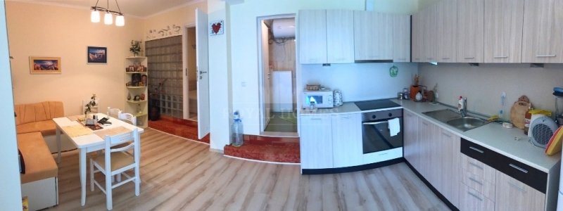Квартира в Святом Власе с собственной лужайкой.