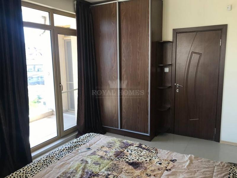 Большая трехкомнатная квартира в Равда.