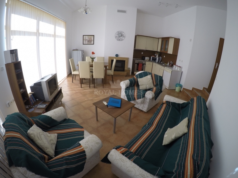 Вторичная недвижимость в Кошарица рядом с морем.