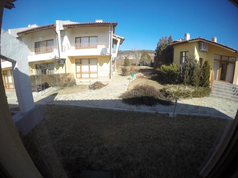 Купить дом в Болгарии в коттеджном поселке Montema